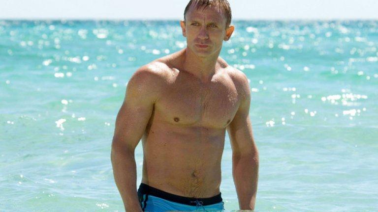 """Spectre (Спектър)  Премиера за България: 6 ноември   Няма отърване от Джеймс Бонд, който отново е в ръцете на Сам Мендес след впечатляващия """"Скайфол"""" от 2012 г. Даниел Крейг пак е в ролята на 007, и то за предпоследен път, а Ралф Файнс, Наоми Харис, Бен Уишоу и Рори Киниър също заемат познатите си места. Най-вълнуващи изглеждат новите персонажи, изиграни от Кристоф Уолц (сякаш роден за Бонд злодей) и Моника Белучи."""