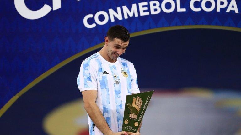Заради само двата си допуснати гола Емилиано Мартинес бе обявен за вратар №1 на Копа Америка - индивидуален трофей, в допълнение към отборния след победата с 1:0 над Бразилия на финала.