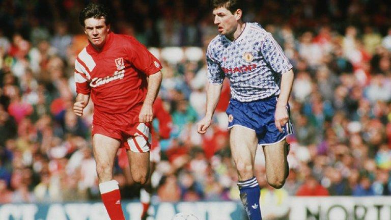 """Манчестър Юнайтед - Ливърпул 2:1, ФА къп (17.04.1985 г.) Юнайтед печели преиграването от полуфиналите и не позволява на Ливърпул да достигне до финал срещу градския съперник Евертън. Брайън Робсън и Марк Хюз са точни за Юнайтед на """"Мейн роуд""""."""