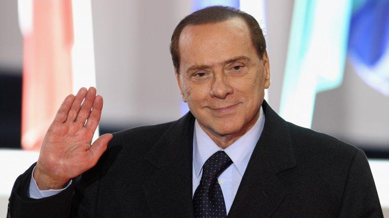 """Силвио Берлускони  Нямаше как да не започнем с бившия премиер на Италия, защото той е самото олицетворение на сексуалния хищник в политиката. Става въпрос за човекът, въвел """"термина"""" бунга-бунга в италианската политическа реторика. За него няма табута - грандиозни секс партита в дома му, брутални сексистки коментари в публичното пространство, отношения с непълнолетни проститутки  - изберете си. За последното даже без малко не влиза в затвора.  Най-интересното е, че той макар и да отрича някои от скандалните обвинения към себе си, винаги е парадирал със сексуалността и мъжеството си - според него това са основните качества, които явно трябва да притежава един политик. И това без съмнение му вършеше добра работа, за да вдига… рейтинга си."""