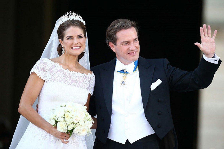 Принцеса Маделин и Кристофър О'Нийл Най-малкото дете на шведския крал – принцеса Маделин, се омъжи за човек, който не прие кралска титла, за да може да продължи с професионалния си живот.