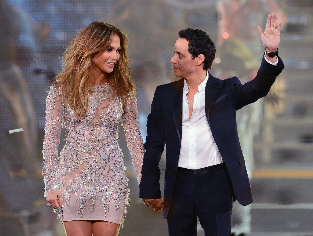 Дженифър Лопес и Марк Антъни  Тези двама музиканти изглеждаха като съвършената двойка - и двамата са с латино-корени и имат страст към горещите ритми и танцувалните песни. Бракът им продължава седем години и от него се раждат близнаците Макс и Ем, но през 2011 г. Лопес и Антъни обявяват раздялата си. Разводът е факт през 2014 г.   В професионален план обаче Дженифър и Марк продължават да са тандем. Те имат съвместен албум от 2016 г., продуцират заедно млади таланти в областта на латино музиката, а до ден-днешен Лопес казва, че бившият ѝ съпруг ѝ дава безценни професионални и дори модни съвети.