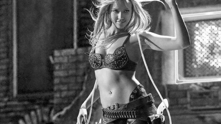 """3.Джесика Алба На най-ниското място от първите три е Джесика Алба за ролята на чувствената Нанси Калахан във филма """"Град на греха"""" през 2005 година."""