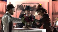 Санди Карсън и Карън Склос сключват съвсем истински брак в копие на града Суийтуотър, в който се развива действието на популярния сериал на HBO.