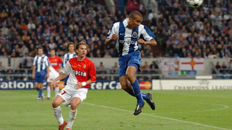"""Кощиня, мачове за Монако: 84 В началото португалецът не успя да се наложи в тима, но след това бе важна част от шампионския сезон. След успеха с Монако отиде в Порто, където игра и по времето на Жозе Моуриньо. Вкара срещу Манчестър Юнайтед и помогна на """"драконите"""" да отстранят по-именития си съперник, след което и триумфира с трофея в Шампионската лига след победа на финала точно над Монако. Вече на 42, Кощиня е извън футбола, като след Порто игра в Динамо Москва, Атлетико Мадрид, преди да се откаже като футболист на Аталанта."""