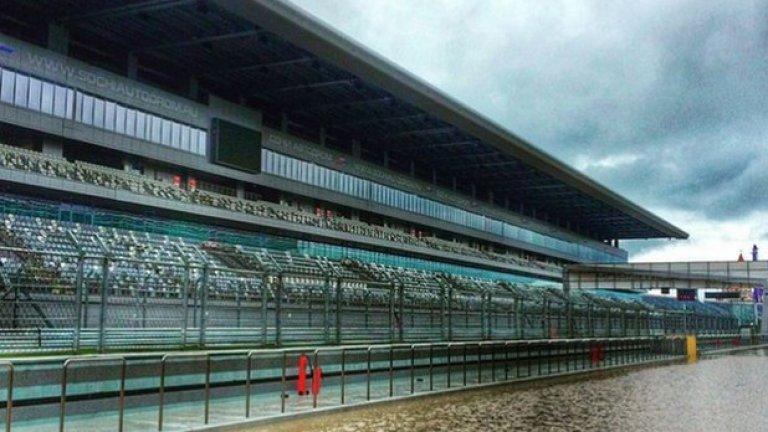 Наводнението в Сочи потопи и пистата за Формула 1