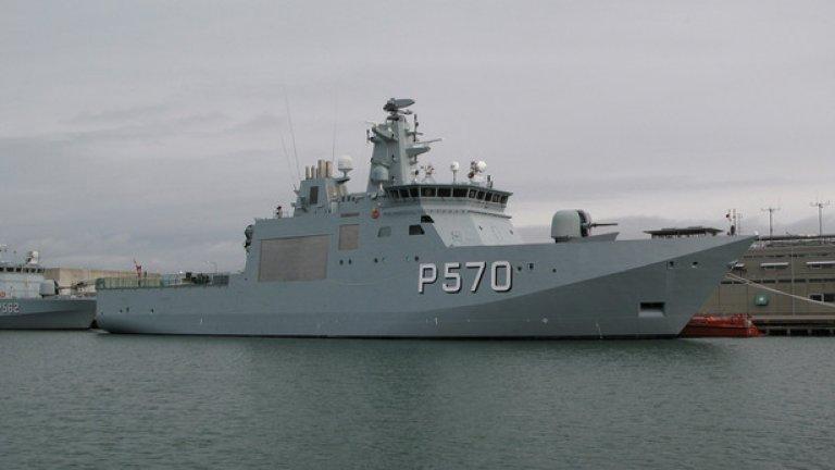 ВМС планира да придобие 2 – 3 многоцелеви патрулни кораба. На снимката е датският Knud Rasmussen, който илюстрира този клас съдове