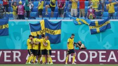 Гол от дузпа качи Швеция на върха в група Е