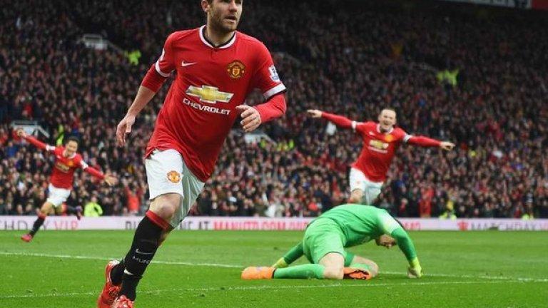 """Дясно крило: Хуан Мата (Манчестър Юнайтед) Три гола и три асистенции за девет кръга – Мата е най-добре представящият се полузащитник на Юнайтед през сезона досега. Истинско оръжие за """"червените дяволи"""" по фланга – цел за спиране №1 за Сити в дербито."""