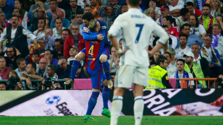 С началото на новия сезон играта на Реал тръгна надолу и проблемите изникват един след друг, докато Барселона върви безупречно под ръководството на Ернесто Валверде. Вижте седемте причини двата отбора да бъдат разделяни от цели 16 точки в класирането