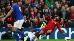 Очаква се Салах да е на линия за Тотнъм на 27 октомври, но е под въпрос за дербито с Юнайтед седмица по-рано.