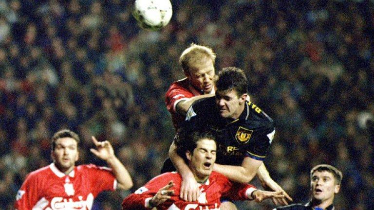 Ливърпул - Манчестър Юнайтед 3:3, Висша лига (04.01.1994 г.) Една незабравима класика от ранните години на Висшата лига. Юнайтед води с 3:0 24 минути преди почивката, но Ливърпул стига до равенство.