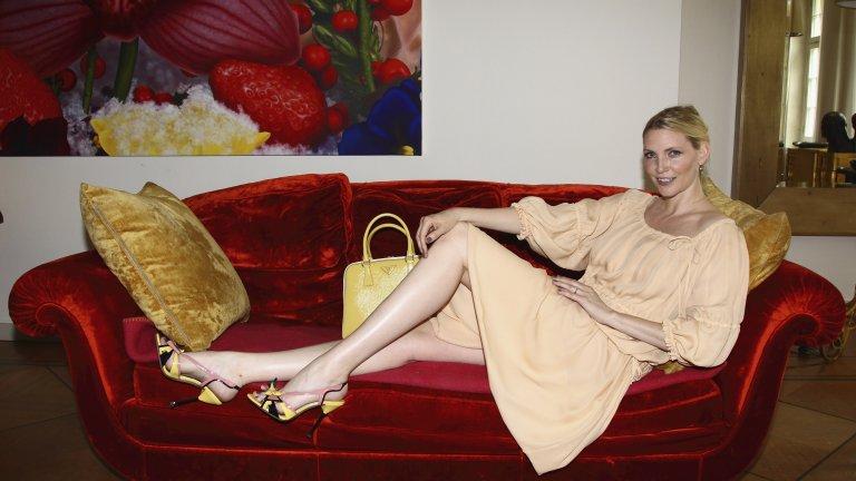 Надя Ауерман е топмодел от 90-те, като в края на миналия век тя също беше в книгата на Гинес като най-дългокраката жена в света. Преди няколко години Ауерман стана известна и с инициативата си за строги мерки в модния бизнес, като поиска забрана за участие в ревюта, фотосесии и кампании на прекалено слаби и под 17-годишна възраст момичета. Нейните крака са 122 см.