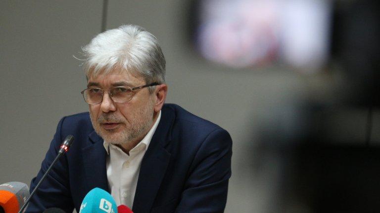 Екс-министърът е задържан за 72 часа, а прокуратурата ще иска постоянно задържане под стража