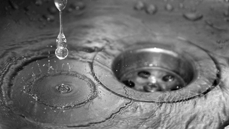 Водоноски и бутилирана вода ще заменят питейната вода