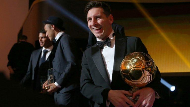 """Златни топки (2010-2019): Меси: 5 Роналдо: 4  Двамата бяха изравнени съвсем доскоро, но тази година Лео грабна петата си """"Златна топка"""" в много оспорван вот, в който изпревари Върджил ван Дайк от Ливърпул. Показателно е, че през десетилетието наградата неизменно се печелеше от Меси или Роналдо, с единственото изключение през 2018-а, когато беше предпочетен Лука Модрич."""