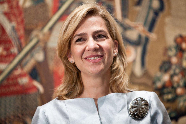 Принцеса Кристина Смята се, че испанската принцеса Кристина е първият член на испанското кралско семейство, който работи на заплата. Баща й й даде титлата херцогиня на Палма де Майорка при брака й през 1997 г. с бившия олимпийски хандбалист Иняки Урдангарин. Но брат й, испанският крал Фелипе VI, я лиши от титлата през 2015 г. след дело за измама и присвояване срещу съпруга й.
