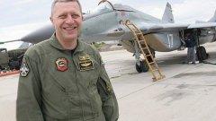 Ген. Стойков има 29-годишен стаж на военна служба