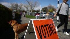 Жителите на страната гласуваха на референдум по двата въпроса в средата на октомври