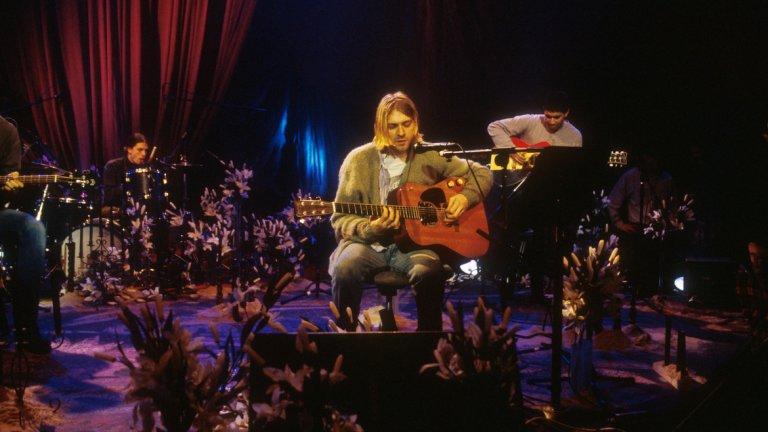 Кърт Кобейн по време на култовото участие на Nirvana в MTV Unplugged