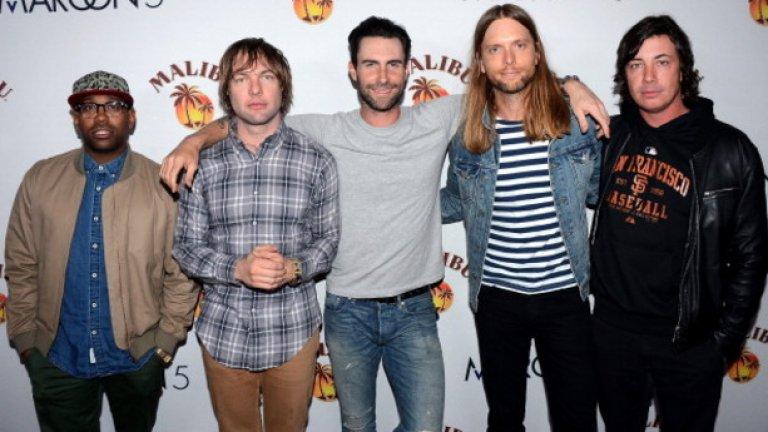 Maroon 5 са трети при групите.