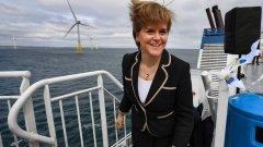 Първият минитър на страната Никола Стърджън и някои от защитниците на независимостта смятат, че само така Шотландия ще може да използва пълния потенциал на възобновяемите природни ресурси, с които разполага.