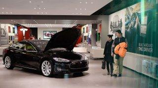 Илон Мъск иска да превземе най-големия автомобилен пазар в света