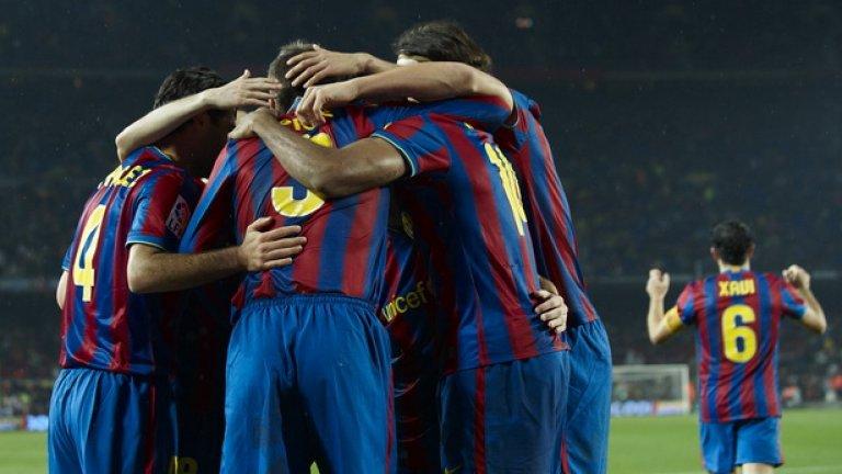 Футболистите на Барселона се радват на победата над Севиля, но дали съдбата няма да си поиска вересиите в последния кръг...