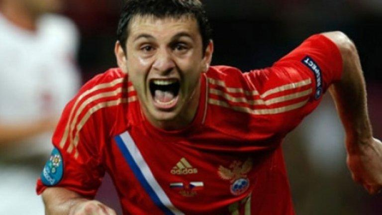 Алан Дзагоев (Русия). Неговото преквалифициране е сред най-обсъжданите теми в Русия. Той вече играе редовно като опорен полузащитник, успя да се завърне в националния отбор и изглежда готов за подвизи.