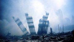 Според психолозите - основната причина за съществуването на конспиративните теории е неспособността на хората да осмислят противоречието на атентатите. Как е възможно сравнително малка група терористи, въоръжени с ниско технологичен арсенал, да предизвика толкова тежки разрушения и кръвопролитие?