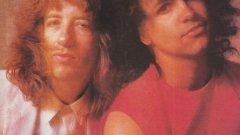 9. Whitford/St. Holmes (1981) – Брад Уитфорд и Дерек Ст. Холмс  След като Aerosmith се разпадна на парчета в началото на 80-те, членовете на групата опитаха да поемат в други посоки. И The Joe Perry Project всъщност не беше никак лош. Е, не беше на нивото на Aerosmith, но и не падна до степен да пълзи на дъното заедно със съвместния албум на Брад Уитфорд и Дерек Холмс.  Взимаш двамата джентълмени в поддържащи роли в своите групи (Уитфорд като китарист на Aerosmith и Холмс като вокалист от бандата на Тед Нюджънт) и какво получаваш? Двама джентълмени, които не могат да пишат песни. Страхотно!