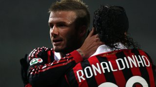 В Милан Бекъм искаше да докаже, че продължава да бъде голям играч, който е готов на всичко в името на футбола - и успя да го направи, макар че контузия го спря за Световното първенство