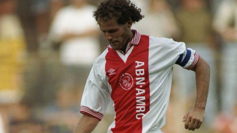 """Дани Блинд Един от по-възрастните в онзи отбор на Аякс и негов капитан. Преди спечелването на Шампионската лига през 1995-а, Блинд вече бе триумфирал пет пъти в Ередивзии и четири – в Купата на Холандия. Игра 42 пъти с националната фланелка на """"лалетата"""". През 2012-а бе назначен за помощник треньор в националния, а в момента заема и позицията на старши треньор."""