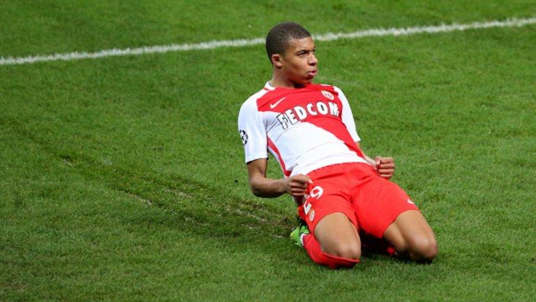 Нападател: Килиан Мбапе (Монако)  Направи невероятен сезон в Монако и за него се изговори толкова много, че едва ли може да се каже нещо ново. 18-годишният французин е най-горещото име на трансферния пазар и се очаква трансферът му да чупи рекорди. Фаворит за подписа му си остава Реал Мадрид.