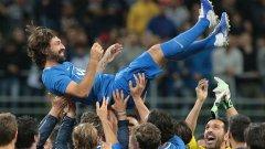 Световният шампион от 2006 г. събра десетки футболни звезди от близкото минало на стадиона, на който преминаха 12 години от кариерата му.