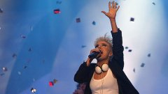"""Поли Генова - у нас се оцелява поединично и на инат, но на """"Евровизия"""" се печели с маркетинг, пари и държавна подкрепа"""