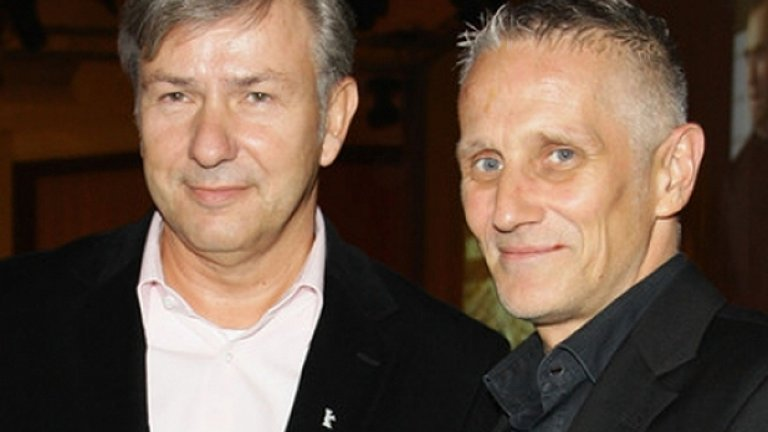 Кметът на Берлин Клаус Воверайт (вляво )обяви през 2001 г., че е гей и изпревари дори жълтите медии в съобщаването на сензационната новина. Той живее заедно със своя интимен приятел – неврохирурга Йорн Кубицки.