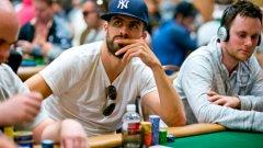 Покерът е особено популярен сред футболните звезди и се практикува както от бивши величия, така и от действащи състезатели.