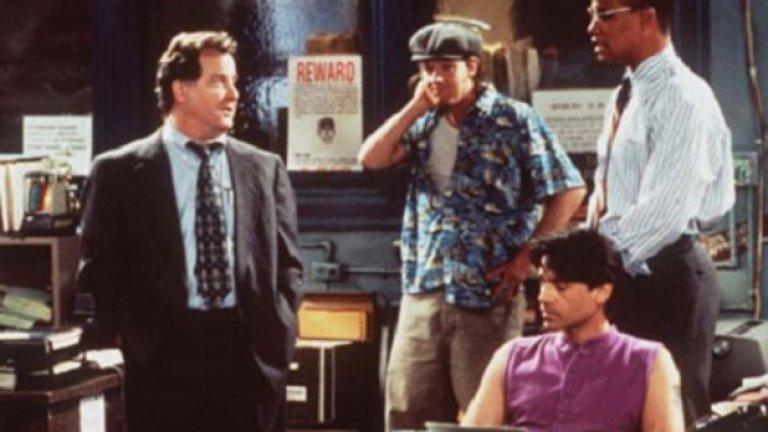 """Public Morals - твърде вулгарен  Ситком на CBS, произлязъл от популярния сериал NYPD Blue (""""Полицейско управление Ню Йорк""""). Някои филиали отказват да излъчат пилотния епизод поради твърде вулгарния език в него. Тогава CBS решава първо да покаже друг от 13-те заснети епизода, но той си остава единственият излъчен. Критиката веднага напада Public Morals за зле разгърнатите персонажи и расисткия хумор и така поредицата умира скоропостижно."""