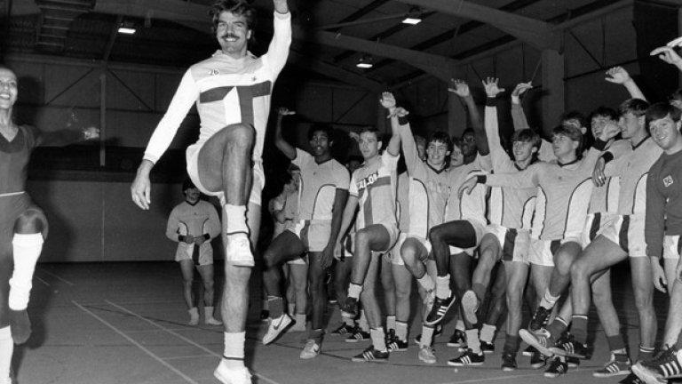 Разбира се, незабравимият сезон в Ковънтри (1983-84).