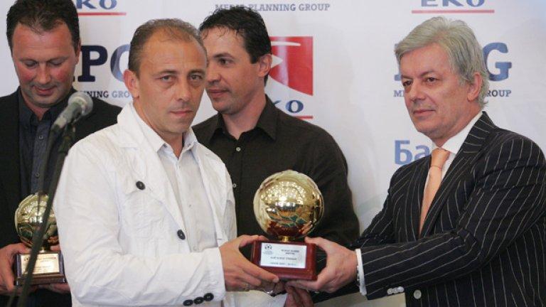 Треньорът на Берое Илиан Илиев постъпи мъжки и остана в Стара Загора, но няма много поводи да бъде доволен