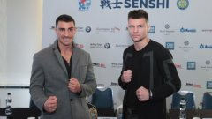 """Атанас Божилов (вляво) надделя с мощната подкрепа на публиката и затвори победоносно вечерта в """"Арена Армеец"""""""