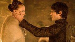 Ако на многострадалната Сенса Старк й се размина изнасилването в предишните сезони, в пети сезон на Game Of Thrones сценаристите не я пощадиха
