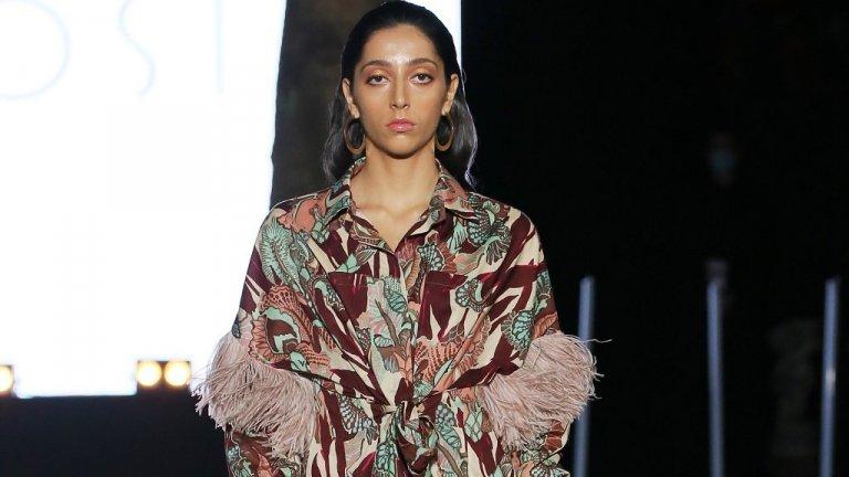Ресните отново са на мода   Не че нямаше ресни и в предишните сезони или че не сме виждали ту да залязват, ту отново да се връщат. Но акцент върху тях тази есен определено ще има - за това вече се убедихме от моделите на Габриела Хърст, Джил Зандер и Bottega Veneta, които ги поставиха както на триоктажни бодита, така и на връхни дрехи като палта и якета.