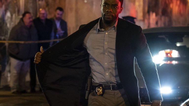 """""""21 моста"""" (21 Bridges) Премиера: 28 февруари  В този трилър детектив от Ню Йорк (Чадуик Бозман от """"Черната пантера"""") е стигнал дъното, но все пак има шанс да изкупи греховете си. Докато разследва убиец на полицаи, той разкрива конспирация, в която са замесени и негови колеги. В последвалото преследване се стига до невиждана до момента ситуация - всички 21 моста, които свързват остров Манхатън с останалата част на Ню Йорк, са затворени..."""