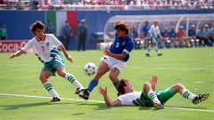 Когато говорим за съдийски решения в ущърб на България, всеки би се сетил за онзи полуфинал срещу Италия в САЩ през 1994 г. Той обаче дори не попада в нашата класация...