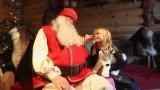 Пандемията може да прекърши цялата икономика на Лапландия и Коледа е единственият ѝ шанс. Какво правим обаче, когато децата вече не могат да сядат в скута на добрия старец?