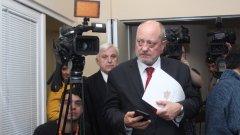 Тодор Танев ще обяви в понеделник дали подава оставка след среща с политическия си кабинет