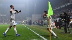 """Когато Кристиано Роналдо вкара попадението си, с което резултатът стана 2:0 за """"бианконерите"""", португалецът отпразнува гола си, правейки с ръка """"маската"""" на Дибала - запазения знак на южноамериканеца."""