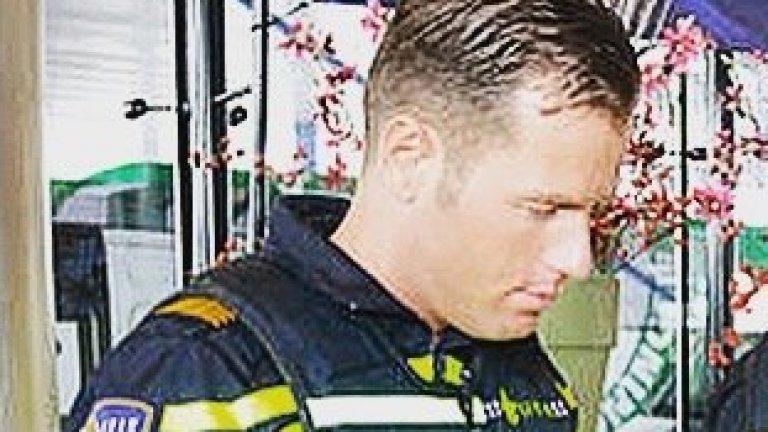 Кой уби мечтата на Дания: Полицай от Ротердам със спорни съдийски качества